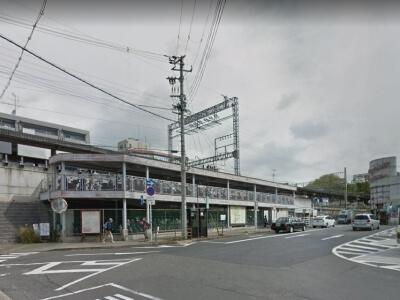 富雄駅周辺の駐車場料金を比較