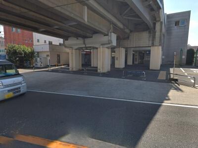 田奈駅付近の安い駐車場